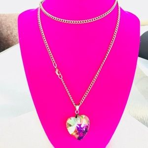 Forever 21 crystal heart ♥️ pendant necklace